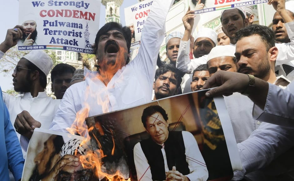 In another protest held in Mumbai, people were seen burning pictures of Pakistani prime minister Imran Khan and Jaish-e-Mohammed leader Masood Azhar. Khan's promises about maintaining peaceful and friendly relations between the neighbouring countries were slammed after the attack. AP