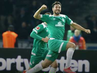 Bundesliga: Schalke, Freiburg share spoils in goalless affair; Werder Bremen's Claudio Pizzro becomes league's oldest scorer