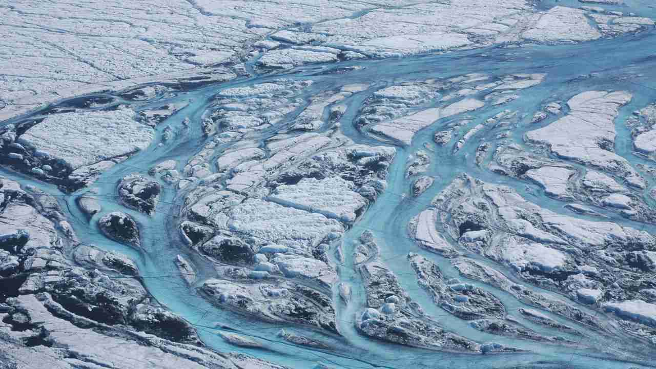 Melting ice in Greenland has been higher than it has ever been in recent years. Image credit: Woods Hole Oceanographic Institution