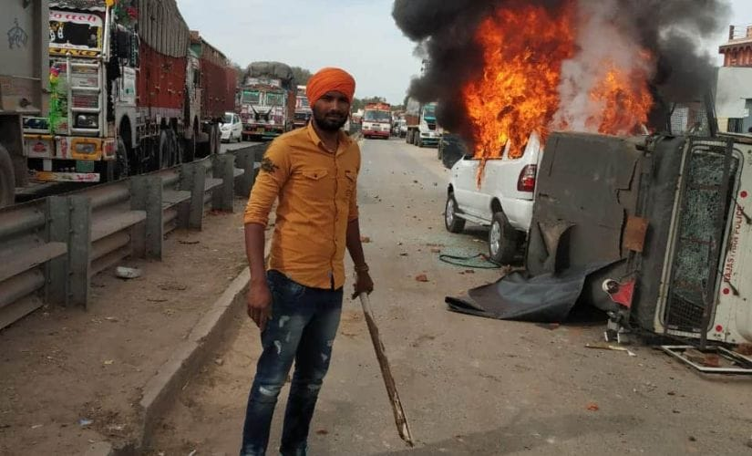 Chief minister Ashok Gehlot called the stone pelting and the torching of vehicles unjustified. Image/101Reporters