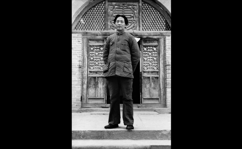 Between 1933 and 1939, Bosshard lived and worked in China and continued to photograph among other things, Mao in the caves of Yan'an and the training of the Red Army. This picture of Mao Zedong in front of the entrance to the Red Academy was taken in 1938. Image courtesy Fotostiftung Schweiz / Archiv für Zeitgeschichte