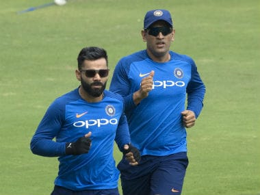Virat Kohli doesn't have MS Dhoni's match-reading skills, requires predecessor's advice says wicket-keeper's coach