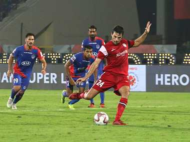 ISL 2018-19: Spirited NorthEast United force Bengaluru FC to pin hopes on Kanteerava revival in delicately poised semi-final