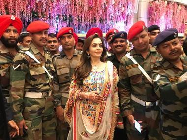 Mukesh, Nita Ambani organise music show for Indian Armed Forces, police and their families at Dhirubhai Ambani Square