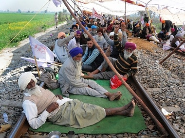 Protesting farmers lift blockade from Delhi-Amritsar railway tracks after court directs Punjab govt to look into demands