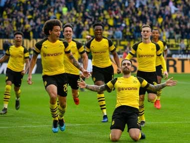 Bundesliga: Paco Alcacer scores twice in added time as Borussia Dortmund capitalise on Bayern draw to go top