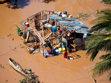 Cyclone Idai hits Mozambique: Relief teams scramble to get relief supplies to victims; 400 people killed in storm