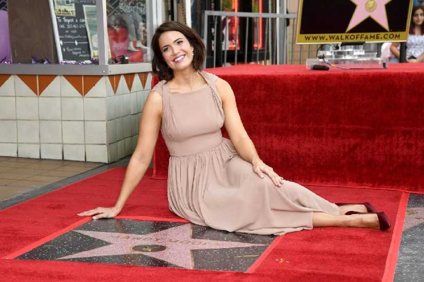 Mandy Moore receives star on Hollywood Walk of Fame; A Walk to Remember, This Is Us co-stars attend unveiling