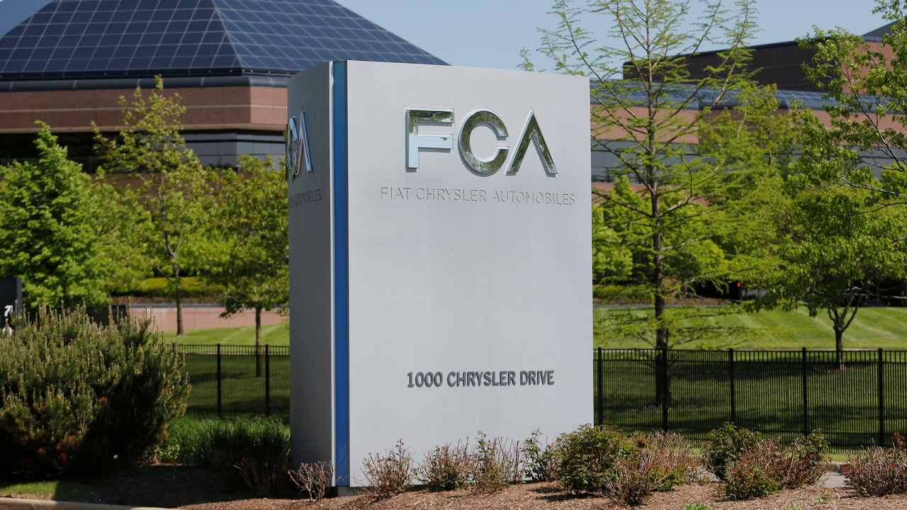 Fiat Chrysler to pay Tesla hundreds of millions of euros to be counted in its fleet