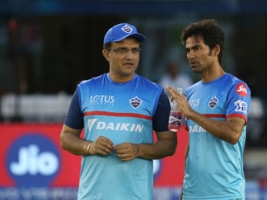 Delih Capitals' assistant coach Mohammed Kaif (R) with Sourav Ganguly. Sportzpics