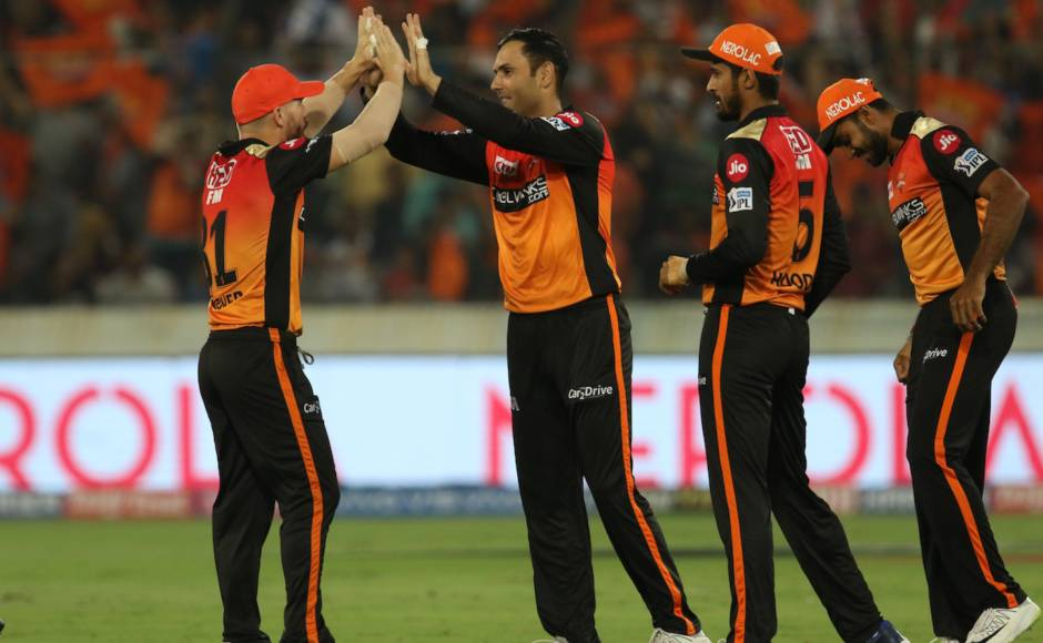 Bowling first, SRH bowlers did well to restrict MI to 136/7 in 20 overs. Mohammad Nabi continued his good form as he returned with bowling figures of 1/13 in four overs. Sportzpics