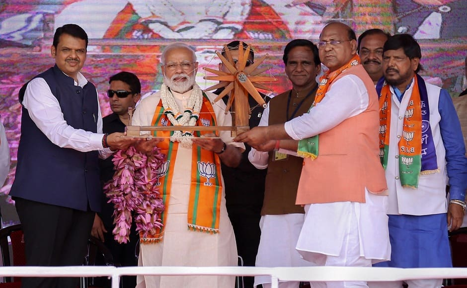 In Maharashtra's Wardha, Narendra Modi shares stage with Shiv Sena leaders, targets Sharad Pawar for 'encouraging' dynastic rule