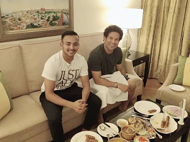 IPL 2019, DC vs MI: Delhi Capitals' Prithvi Shaw delighted after dinner with legendary Sachin Tendulkar