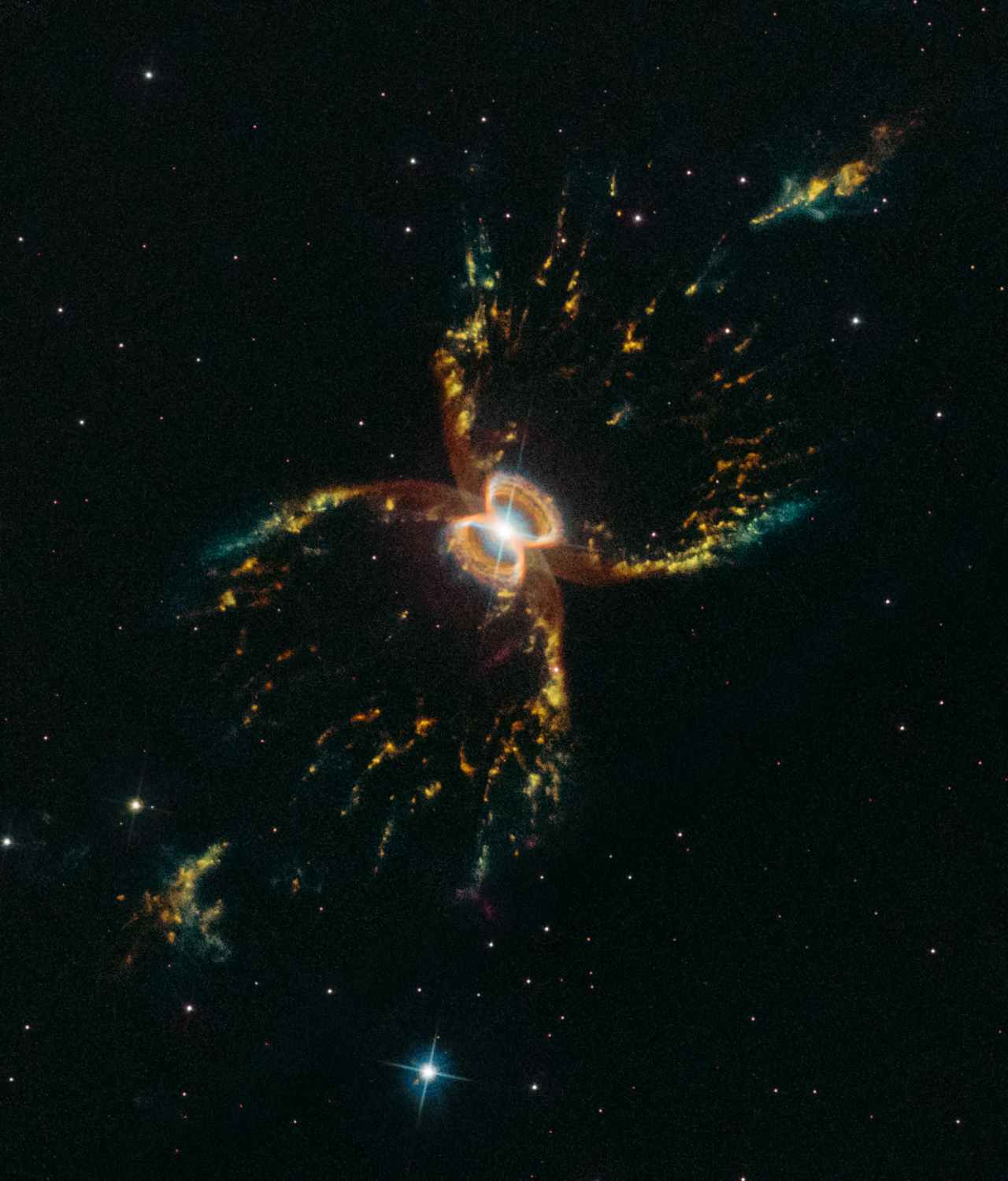 NASAs Hubble takes beautiful image of Southern Crab nebula to celebrate turning 29