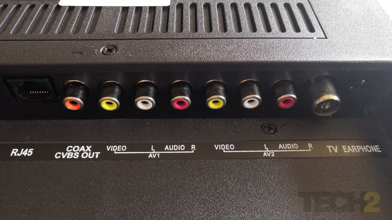 All the input-out ports lay at the bottom of the Thomson 40TH1000 TV. Image: tech2/ Ameya Dalvi