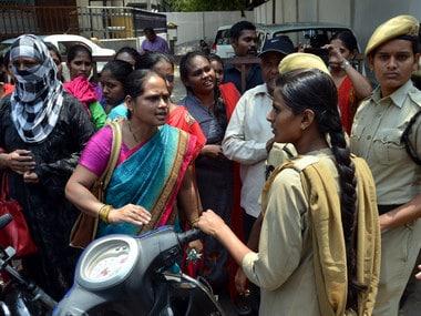 Protesting parents in Hyderabad. Gali Nagaraja/101Reporters
