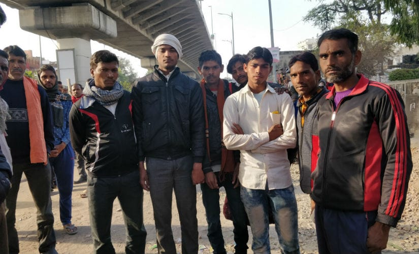Youth arrive at Ajmer Road flyover in Jaipur every morning, looking for work. Image courtesy: 101Reporters
