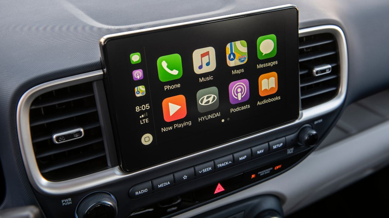 The 8-inch display includes both Apple CarPlay and Android Auto for intuitive operation of the most commonly used smartphone functions, including app-based navigation, streaming audio and voice-controlled search capabilities.