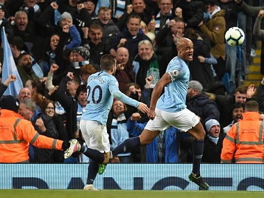 Premier League: Manchester City captain Vincent Kompany scores a stunner against Leicester to keep team on course for title