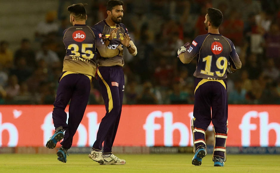 Kolkata Knight Riders won the toss and elected to field first. Pacer Sandeep Warrier struck early in the innings, dismissing Chris Gayle and KL Rahul cheaply. Sportzpicc