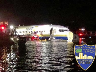 Boeing 737 flight, with 136 onboard, crashes into Florida waters near Jacksonville; no casualties reported