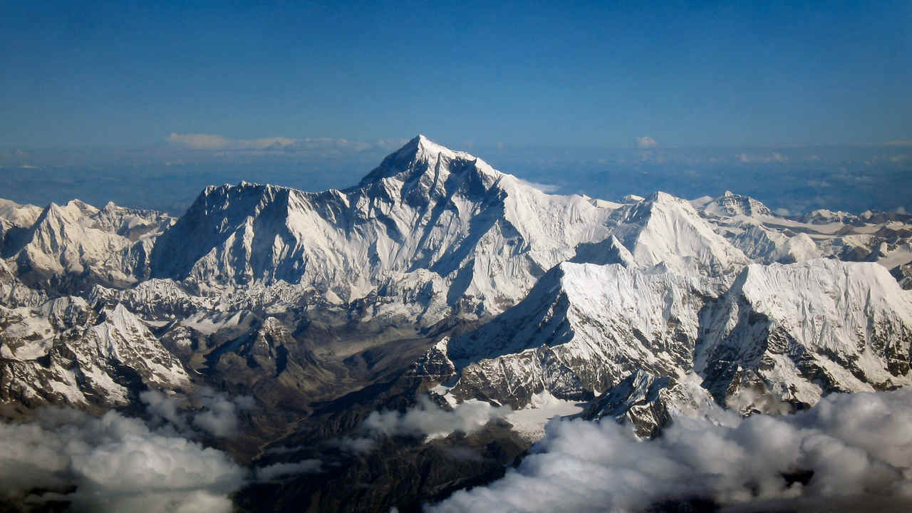 Global warming affects Mt Everest, exposes 10 tonnes of garbage and human remains