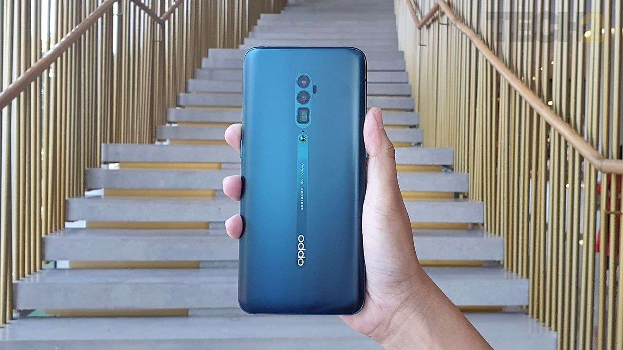 The Reno 10X Zoom edition features a triple rear camera setup. Image: tech2