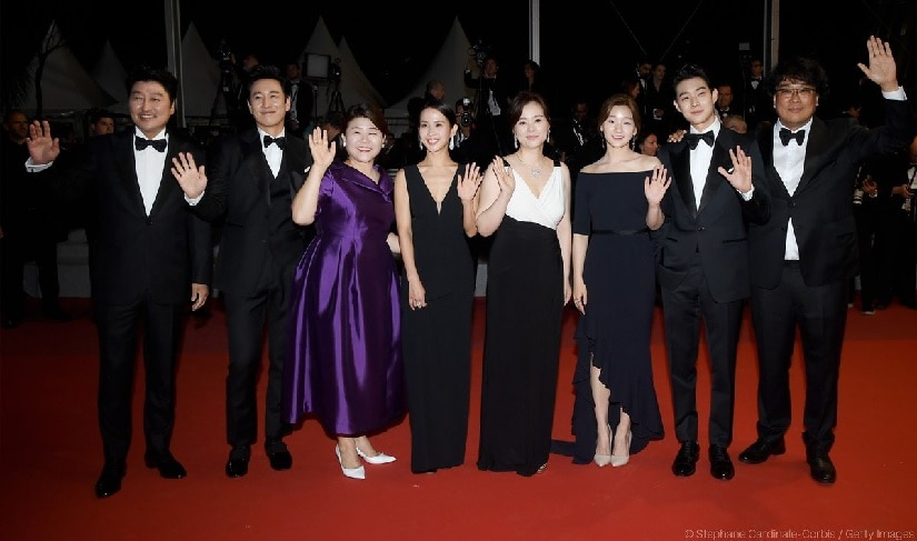 The cast and director (Bong Joon-ho) at the premiere of Parasite at Cannes 2019. Festival de Cannes