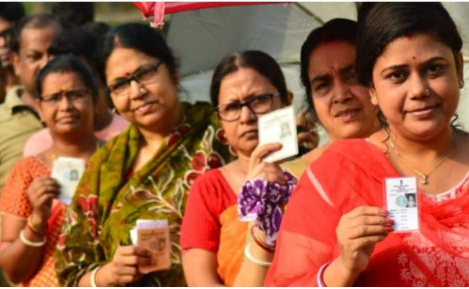 Women voters of all age groups , including first time voters and elderly voters, exercised their franchise in their polling booths at West Bengal's Bankura parliamentary constituency on Sunday. @PIB_India