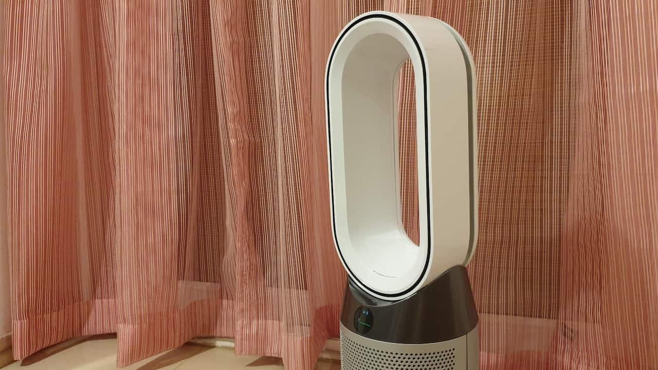 Dyson Hot and Cool Link air purifier. Image: tech2/Nandini Yadav