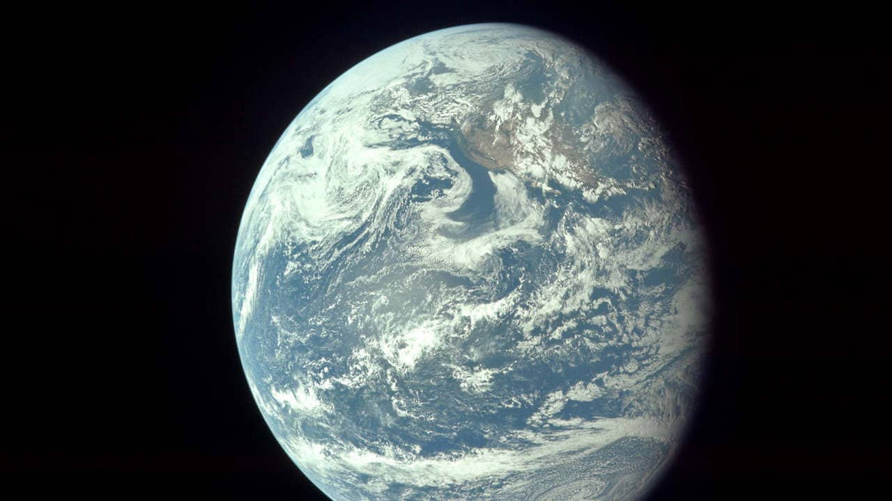 The view of the Earth from the spacecraft. Source: ALSJ/NASA