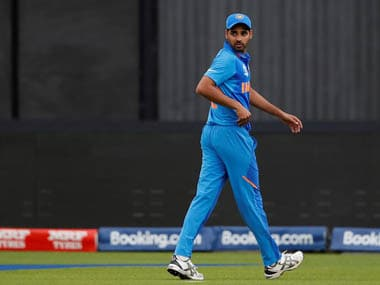 India vs Pakistan, ICC Cricket World Cup 2019: Indian bowler Bhuvneshwar Kumar walks off with only 2.4 overs bowled after suffering hamstring injury
