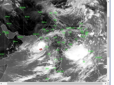 'Weakened' Cyclone Vayu likely to hit coasts of Gujarat's Saurashtra and Kutch by tomorrow evening, says IMD