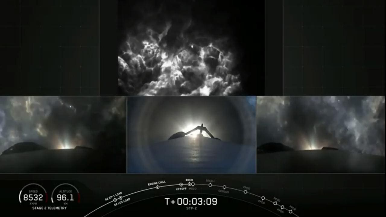 The side boosters seperates and is heading back to Cape Caneraal. image credit: SpaceX