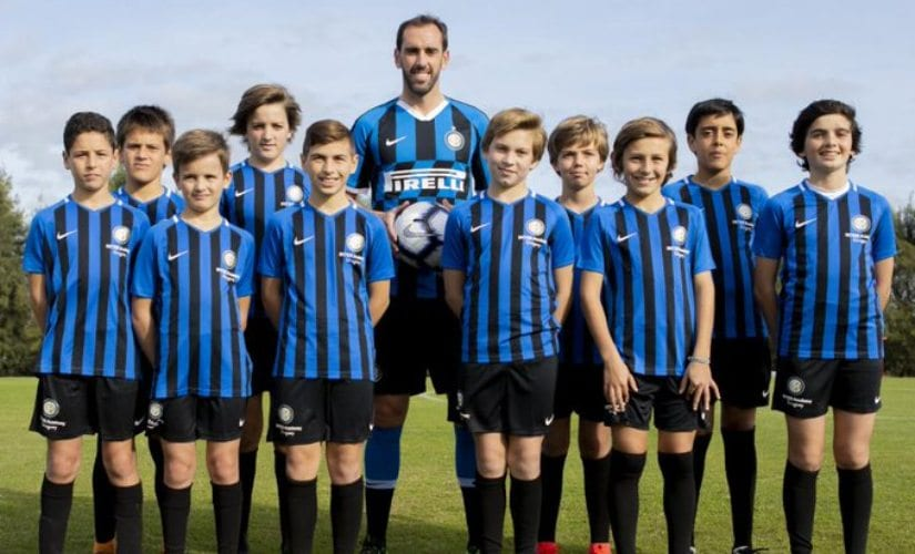 Diego Godin signed a three-year deal with Inter Milan. @Inter_en