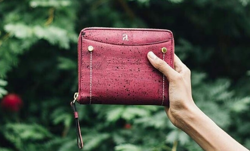 An eco-friendly non-leather wallet from The Eco Trunk online store. Image courtesy of The Eco Trunk