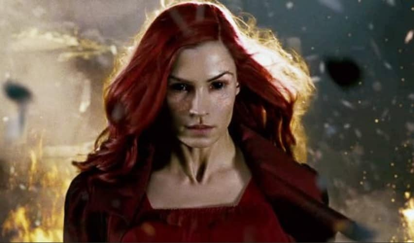 Possessed by the Dark Phoenix, Jean Grey loses control of her powers and the the only one who could beat her was Wolverine   Twitter
