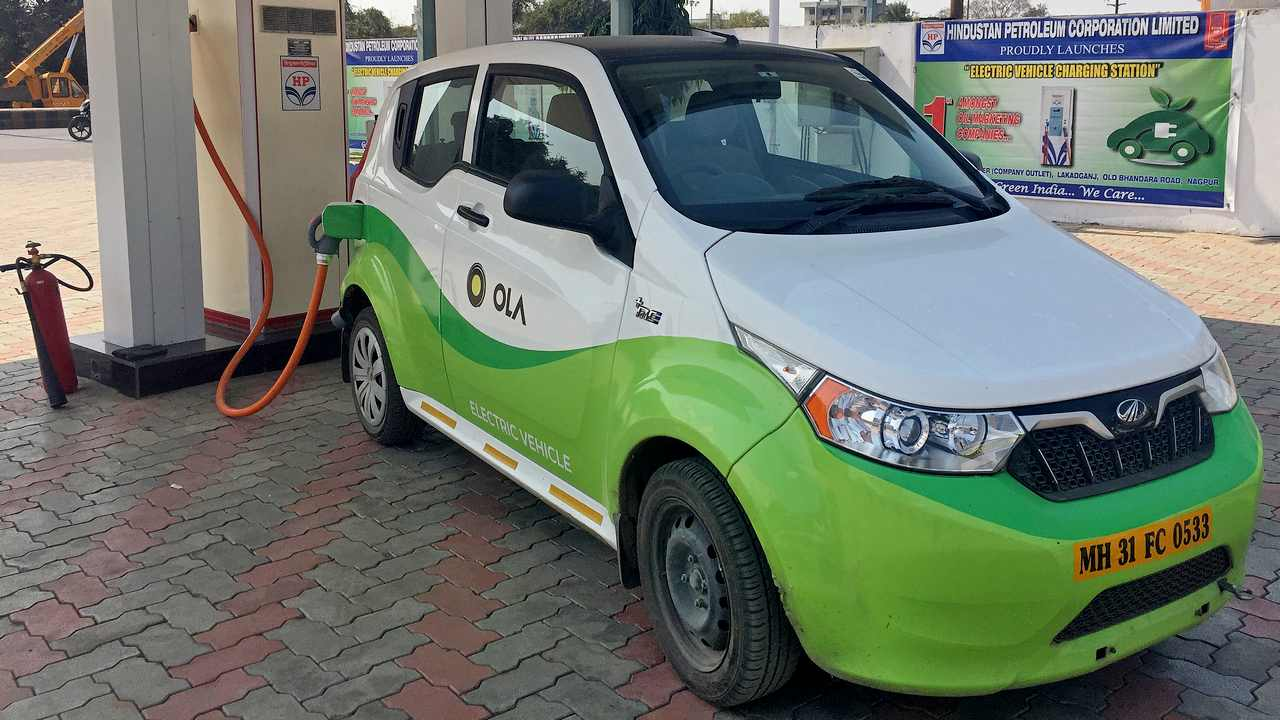 Electric Vehicles should be an area of focus for sustainable mobility: Economic Survey 2019