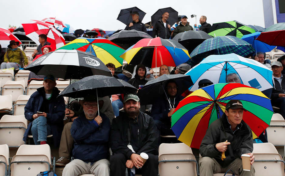 Bangladesh, Sri Lanka and local fans were all collected inside the stadium, withumbrella in one hand and coffee mugs on the other. The weather was pleasant yet it stopped the cricket action to take place. Reuters