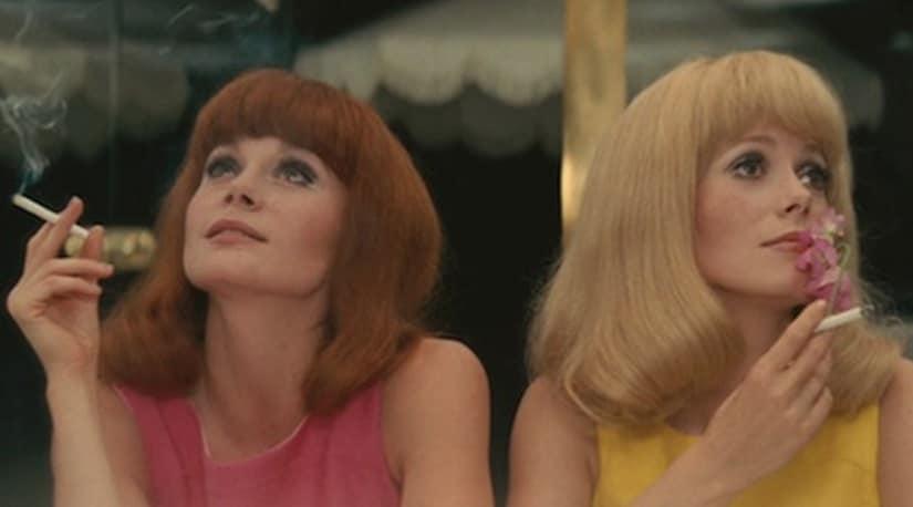 Françoise Dorléac as Solange Garnier and Catherine Deneuve as Delphine Garnier in The Young Girls of Rochefort