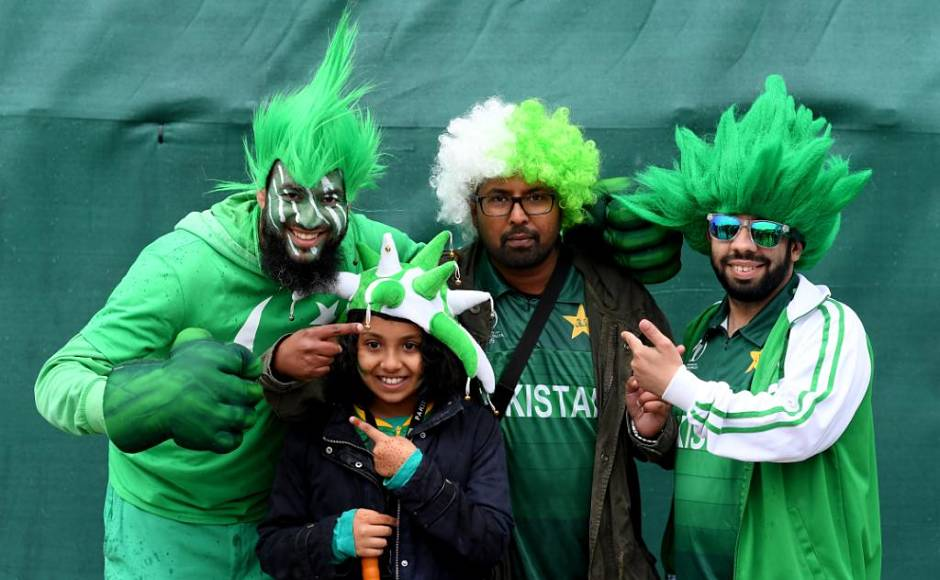Some Pakistani supporters are all smiles, and they have all the reason to be happy as Sarfaraz Ahmed's men climbed to the fourth place with three points. Sri Lanka, with the same number of points, are placed third currently.