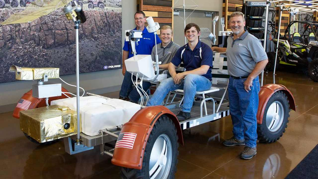 Fully-functional replica of NASAs Apollo lunar rover to drive at NASCAR race