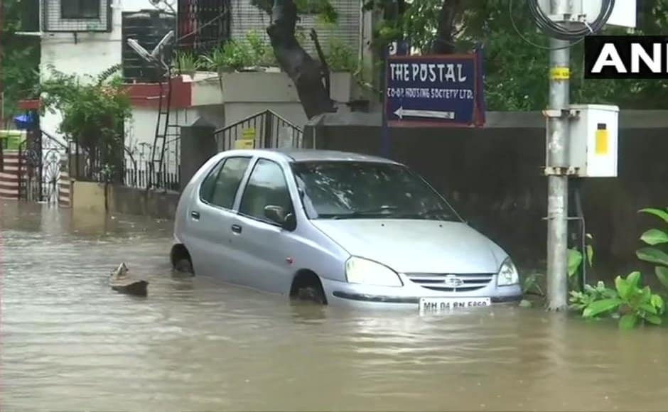 In Chembur, the streets were flooded. Twitter @ANI