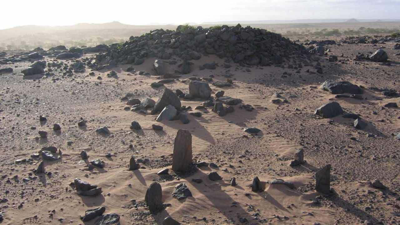 Who will be the first person to be buried on Mars? Credit: Nick Brookes / flickr, CC BY-NC