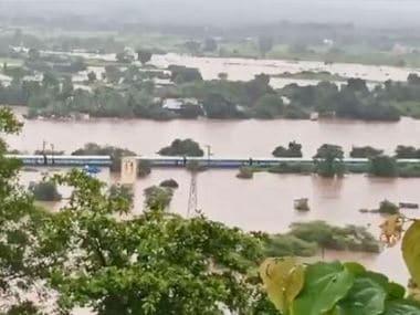 Mumbai Rains: All 700 on board Mumbai-Kolhapur Mahalaxmi Express rescued safely; Badlapur still underwater even as city gets respite from torrential rain