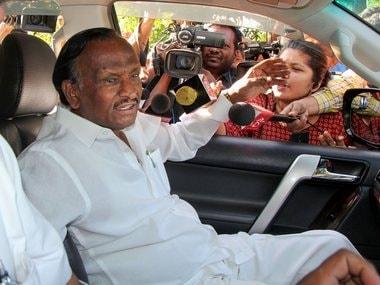 Karnataka political crisis: Hectic parleys on to mollify rebel Congress, JD(S) MLAs; BJP seeks trust vote tomorrow