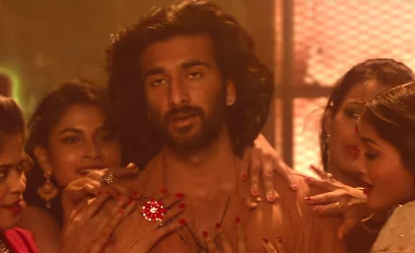 Meezaan Jafri in 'Aila Re'. YouTube screengrab.