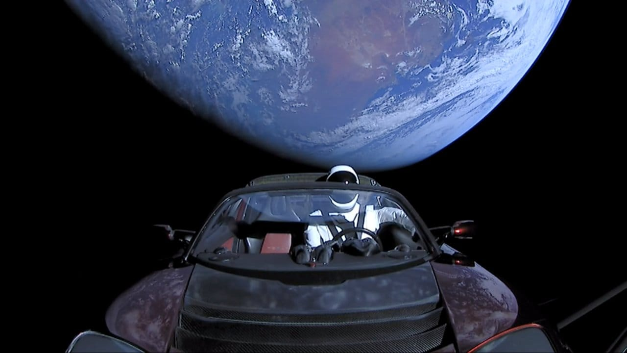 SpaceX Starman, Tesla Roadster complete their first complete orbit around the Sun