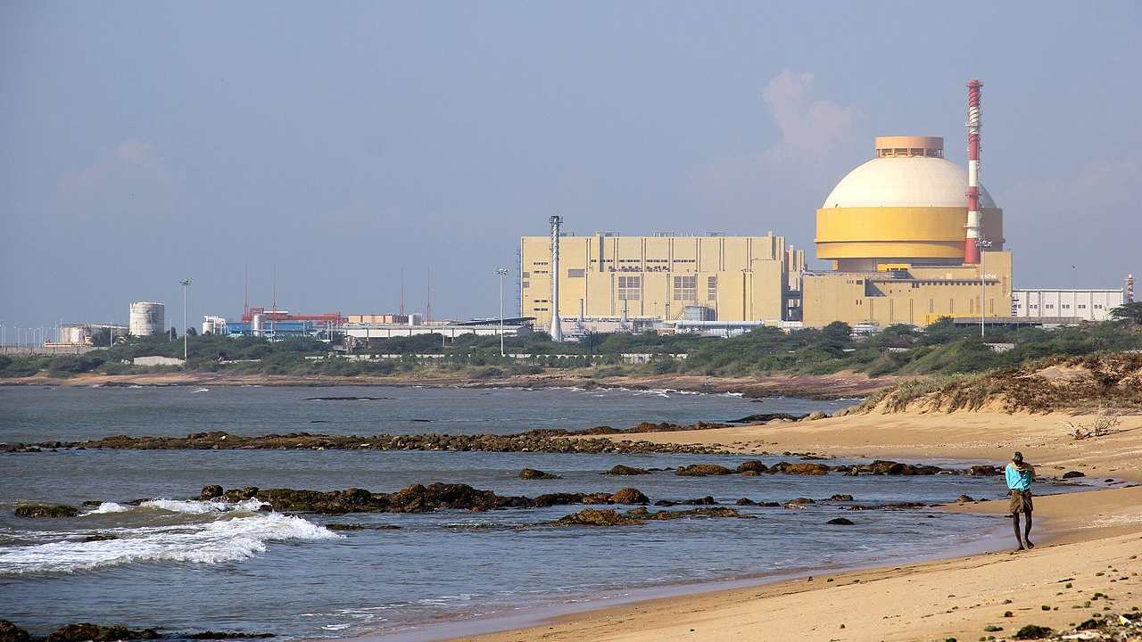 The nuclear power plant Kudankulam in Tamil Nadu. Photo credits: Wikimedia Commons / India Water Portal