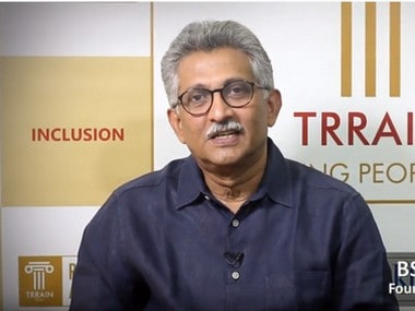 Retail sector cannot grow with protectionism, says BS Nagesh; asks offline retailers to use Internet to widen reach